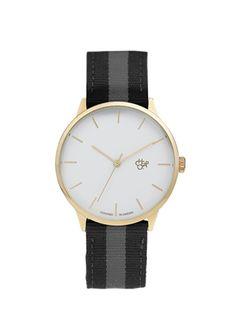 Beymen'in altın rengi kadranı ve siyah-gri kayışıyla spor şıklığı bir araya getirdiği bu saati babanız kolundan çıkarmak istemeyecek! #maximumkart #babalargünü #hediye #gift #klasikgömlek #babalargünühediyeleri #babalargünükutluolsun #kutluolsun #saat #saatmodelleri