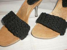 Σαγιονάρες πλεκτές  με τακούνι μεταλλικό Crochet Shoes, Heeled Mules, Knitting, Heels, Fashion, Heel, Moda, Tricot, Fashion Styles