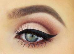 Bild über We Heart It https://weheartit.com/entry/168550418 #beauty #blue #boy #cool #crab #eyeliner #eyes #girl #girls #hey #laugh #lol #look #love #makeup #see #smile #seem #stracht