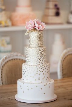 Pink and Gold Wedding Cake This matches our save the dates Metallic Wedding Cakes, Pretty Wedding Cakes, Sequin Wedding, Pretty Cakes, Cake Wedding, Glitter Wedding, Bling Wedding, Ivory Wedding, Floral Wedding