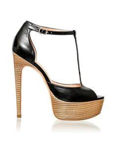 Sandália meia pata de couro