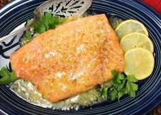 Bonefish Grille's Lemon Butter Sauce - A rich, classic sauce for fish and poultry. I found this recipe at their online site. I love their lemon butter sauce. Lemon Entree Recipes, Salmon Recipes, Sauce Recipes, Dinner Recipes, Copycat Recipes, Dinner Ideas, Bonefish Grill Recipes, Grilling Recipes, Cooking Recipes
