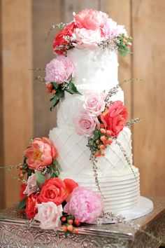 Wedding Cakes : Picture Description Featured Photographer: Photography by Gema; Country Wedding Cakes, Diy Wedding Cake, Wedding Cake Roses, Purple Wedding Cakes, Cat Wedding, Buttercream Wedding Cake, Wedding Cake Toppers, Wedding Stuff, Tiered Cake Stands