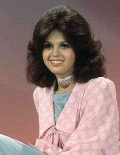 Marie Osmond Hot, Donny Osmond, Felicity Jones, Osmond Family, The Osmonds, Vintage Hairstyles, American Singers, Country Music, Pretty Woman