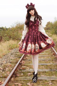 Chokelate wearing Haenuli's Sleeping Beauty print