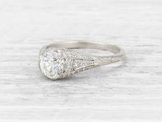 1.09 CARAT ART DECO DIAMOND ENGAGEMENT RING