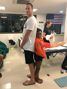 2 ft difference between these two Olympic athletes