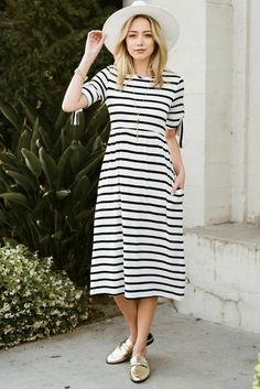 Gozon Boutique offers solid and printed dresses for your special occasion without breaking your bank. Discover our all-time-favorite solid maxi dress made in USA. Maxi Outfits, Modest Outfits, Boho Outfits, Cute Outfits, Sunday Best Outfit, Clothes For Women Over 50, Striped Midi Dress, Over 50 Womens Fashion, Stripes Fashion