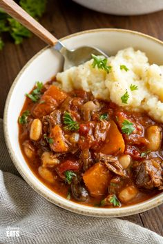 Tuscan Beef Casserole - a delicious hearty simple dish with vegetables and white beans, it's a firm family favourite. Vegetable Casserole, Vegetable Stew, Beef Casserole, Casserole Recipes, Beef Stew Crockpot Easy, Slow Cooked Beef, Crockpot Beefstew, Hearty Beef Stew, Beef And Beans Recipe