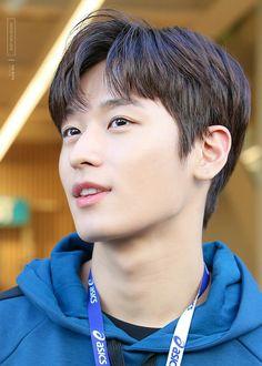° Post photo ° Snapgram ° Chat ° Oneshoot in Juyeon i… Handsome Asian Men, Handsome Boys, K Pop, Bare Face, Kpop Guys, Cute Actors, Wattpad, Tsundere, Asian Boys