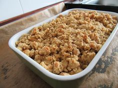 Huhu! Ich habe heute Besuch gehabt und leckeres Apfelcrumble gebacken. Vielleicht auch was für euch? :) > Vegan & glutenfrei< Rezept: https://istmirvurst.wordpress.com/apfel-crumble/