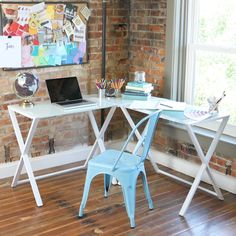 Unfettered by excessive drawers and shelves, the simple design of this three-piece computer desk exudes sophistication. Its L-shaped setup creates the perfect corner wedge to save you space and optimize your home office.