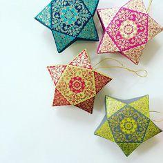 ⭐️ Hanging gift boxes ready for your #diwalidecor and #christmastree ⭐️ #diwali #happydiwali #indian #indianwedding #weddingphotography #tablescape #tabledecor #falldecor #festive #gift #gifts #giftbox #star #etsy #etsyseller #christmasdecorations #christmasgift #christmasparty #creative #party #partyplanner #partyfavors #christmasstar #indiansweets #candybox #giftbasket
