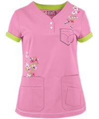 Koi Scrubs Limited Edition Summer Blossoms Y-Neck Print Top Cute Scrubs, Koi Scrubs, Scrubs Outfit, Scrubs Uniform, Scrubs Pattern, Nursing Clothes, Nursing Scrubs, Uniform Design, Scrub Tops