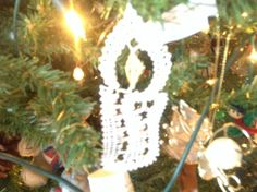 Bobbin lace candle from book by Brigitte Bellon
