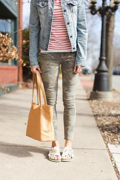 ONE little MOMMA: birkenstocks, camo pants, denim jacket, stripes . i'd trade out the camp pants . Spring Fashion, Autumn Fashion, Birkenstock Outfit, Nickel And Suede, Curvy Fashion, Work Fashion, Fashion Ideas, Arizona, Athleisure Outfits