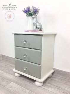 Shabby chic bedside cabinet, vintage bedside table, white and grey wooden bedside cabinet, small chest of drawers, girl's bedside cabinet Upcycle Bedside Table, Painted Bedside Tables, Wooden Bedside Table, Bedside Table Makeover, Grey Furniture, Upcycled Furniture, Painted Furniture, Refurbished Furniture, Bedroom Furniture