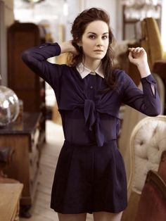 Cute outfit + Michelle Dockery!