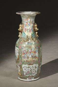 Large Chinese Export Famille Rose Medallion Floor Vase. Daoguang-Xianfeng Period