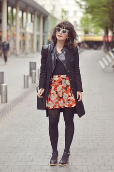 http://www.helloitsvalentine.fr/2014/05/where-wild-roses-grow.html - Flower shorts, with my Suzanne Swedish Hasbeens clogs