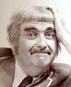 Captain Kangaroo (Bob Keeshan) - 1955 to 1984 - longest running childrens' television show Bob Keeshan, Captain Kangaroo, Old Shows, Vintage Tv, Vintage Stuff, Television Program, My Childhood Memories, Old Tv, Classic Tv