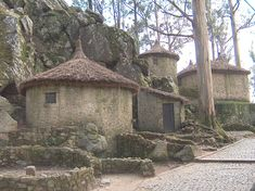 Castro in Portugal with a house rebuilt.Castro: Ruins of settlements from the Bronze Age and Iron, in the mountains of northwestern Iberian Peninsula in Europe.