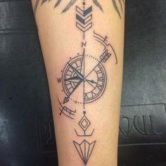 Αποτέλεσμα εικόνας για arrow compass tattoo