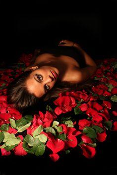 photo girl roses