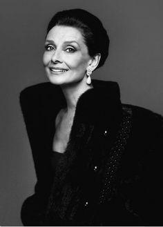 Idol. Audrey Hepburn by Richard Avedon