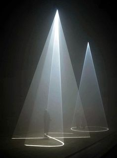 """Between You and I"", Anthony McCall, 2006, 16 mins. Ph. Hugo Glendenning"