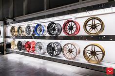 Vossen Gallery 2018 at the Waldorf Astoria - Las Vegas - © Vossen Wheels 2018 - 1082 Auto Parts Shop, Car Workshop, Showroom Interior Design, Garage Room, Car Part Furniture, Tyre Shop, Waldorf Astoria, Aluminium Doors, Workspace Design