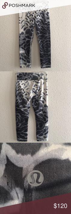 Lululemon crop RARE!!! Lululemon crop! Worn once. Did not like the pattern on me. Super soft, basically brand new 😎 Make me A decent offer!!! 😊 lululemon athletica Pants Leggings