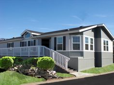 Manufactured home Remodeling - 45 Great Manufactured Home Porch Designs Manufactured Home Porch, Double Wide Manufactured Homes, Manufactured Housing, Double Wide Mobile Homes, Mobile Home Living, Home And Living, Home Renovation, Home Remodeling, San Diego
