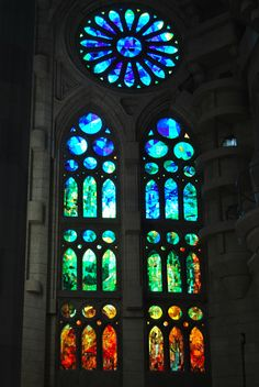 Stained glass window at Sagrada Familia Barcelona Stained Glass Church, Stained Glass Art, Stained Glass Windows, Mosaic Glass, Antonio Gaudi, Glass Cactus, Houses Of The Holy, Art Nouveau Poster, Church Windows