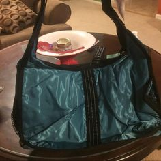 Thirty one shoulder bag New in bag! Super cute! Bags Shoulder Bags
