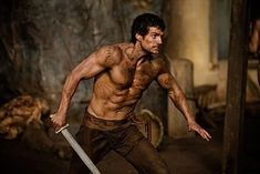 Shirtless Henry Cavill in IMMORTALS — First Pic! Henry Cavill is shirtless sexy as young warrior Theseus in the new Greek mythology tale, Immortals. When asked how Henry is getting into his role, director Tarsem… Jason Momoa, Man Of Steel, Daniel Radcliffe, Zac Efron, Mtv, Superman Workout, Cinema, Workout Days, Workout Routines