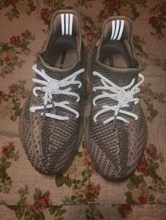 b67b9805e yeezy boost 350 v2 static size 9  fashion  clothing  shoes  accessories