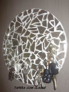 Tapera com Classe Mirror Glass, Diy, Diy Creative Ideas, Glazed Glass, Recycled Materials, Mirrors, Mosaics, Crafting, Bricolage