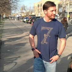 """Tom Hardy ==> FROM NOW ON I'LL PUT ALL NEW TOM HARDY GIF'S IN THE BOARD """"TOM HARDY GIF'S"""" SO PLS BE SURE TO START FOLLOWING IT :-)"""