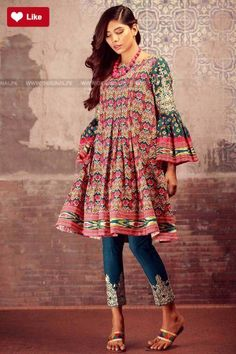 Khaadi Winter Volume 1 2017 Price in Pakistan famous brand online shopping, luxury embroidered suit now in buy online & shipping wide nation. Pakistani Fashion Casual, Pakistani Dress Design, Pakistani Outfits, Indian Fashion, Stylish Dresses, Simple Dresses, Casual Dresses, Kurti Designs Party Wear, Kurta Designs