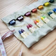 Win Waldorf art supplies from Bella Luna Toys & Wee Folk Art! Includes wool felt crayon holder, 2 sets of beeswax crayons, & Coloring With Block Crayons book. Waldorf Crafts, Waldorf Toys, Waldorf Preschool, Art For Kids, Crafts For Kids, Arts And Crafts, Old Fashioned Toys, Kids Chalkboard, Crayon Roll