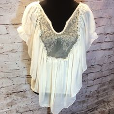 ESLEY PRECIOUS ROMANTIC BOHO STYLE BLOUSE Gorgeous blouse with sheer lace panel at the top and a partial lining in the bottom. Very pretty for boho styles Esley Tops Blouses