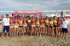 [RALERI people] Eleonora Lo Bianco e l'All Star Team al termine del Lega Volley Summer Tour.  (Eleonora indossa Moogrise Milan http://bit.ly/MoogriseMilan)  #volley #allstar #leolobianco