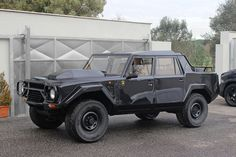 #Lamborghini #LM002