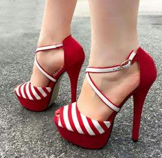 Shoespie Contrast Color Peep-Toe Stiletto/Platform Sandals