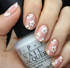 La forma más bonita de llevar la primavera en tu mani. #OPI