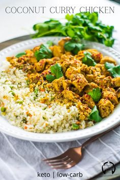 Chicken Thighs Curry Recipe, Coconut Curry Chicken, Cauliflower Rice Curry, Curry Rice, Healthy Chicken Recipes, Low Carb Recipes, Chicken Curry Recipes, Easy Rice Recipes, Coconut Recipes
