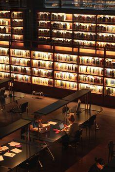 b0g0i0h:  bookshelfporn:  Biblioteca Reina Sofia by...