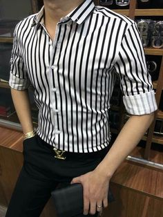 Mens Fashion Summer – The World of Mens Fashion Indian Men Fashion, Mens Fashion Wear, Men's Fashion, Mens Designer Shirts, Designer Suits For Men, Moda Formal, Formal Men Outfit, Stylish Mens Outfits, Mens Clothing Styles
