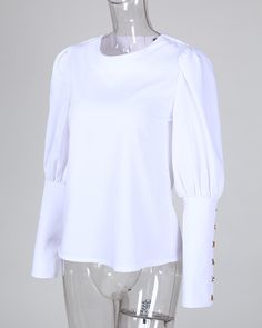 Blusa casual con detalle de botones de metal sólido Online. Discover hottest trend fashion at chicme.com Trend Fashion, Fashion Outfits, Sleeves Designs For Dresses, Corsage, Blouse Online, Metal Buttons, Spring Dresses, Stylish Dresses, Casual Tops